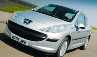 Front view of Peugeot 207 S