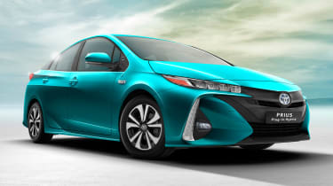 Toyota Prius Plug-in 2016 press front