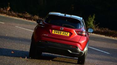 Nissan Juke - cornering rear