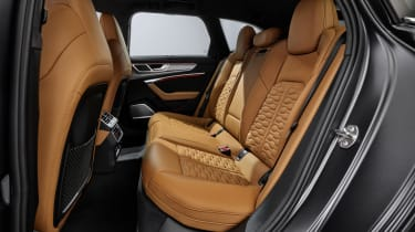 Audi RS 6 Avant - rear seats