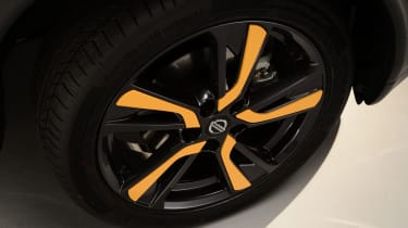 Nissan Juke 2014 wheel