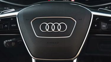 Audi A6 Avant - dials