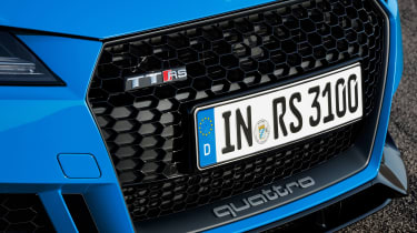 Audi TT RS Coupe - grille