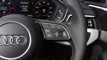 Audi A5 Cabriolet - steering wheel controls