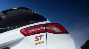 Ford Focus ST Mountune m365 - badge
