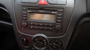 Used Kia Picanto - centre console