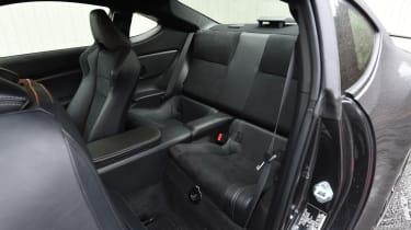 Toyota GT 86 2017 facelift - rear seats