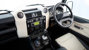 Land Rover Defender Works V8 - dash