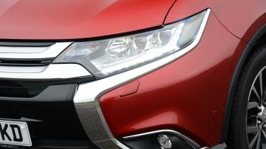 Mitsubishi Outlander - headlight