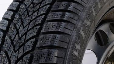 Winter tyres online test 2013 Dunlop