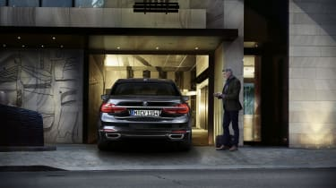 New 2015 BMW 7-Series garage park
