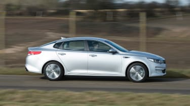 Kia Optima - side