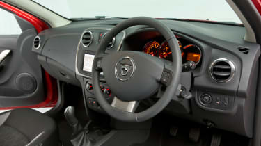 Used Dacia Sandero - sterring wheel