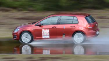 2017/18 winter tyre test - wet test