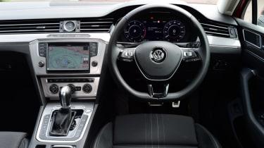 Volkswagen Passat Alltrack - driver interior