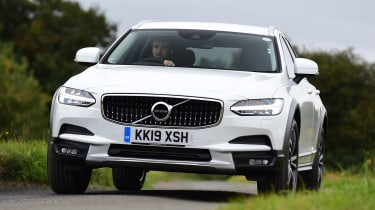 Volvo V90 Cross Country - front action