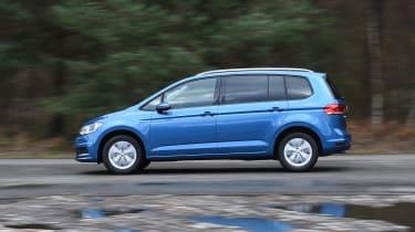 Volkswagen Touran - side