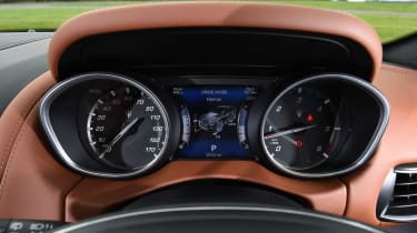 Maserati Levante - dials