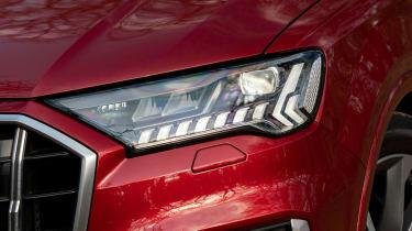 Audi SQ7 - front light