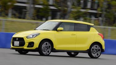 Suzuki Swift Sport - side action