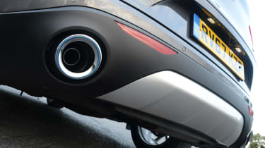 Alfa Romeo Stelvio - exhaust