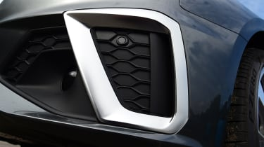 Audi A4 - grille