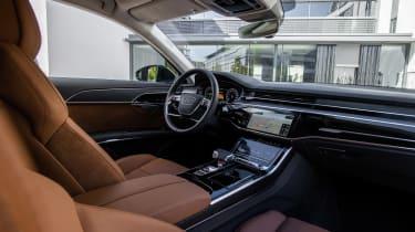 Audi A8 60 TFSI e - dash