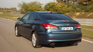 Hyundai i40 rear tracking