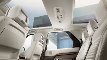 Land Rover Discovery 2017 - official sunroof