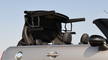 MINI Cooper S Convertible - roof folding