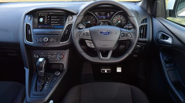 Ford Focus ST-Line - dash