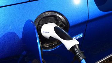 Hyundai Ioniq Plug-in - charger