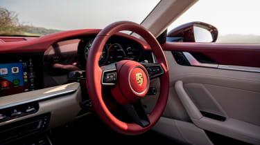 Porsche 911 Targa 4S Heritage Design Edition - steering wheel