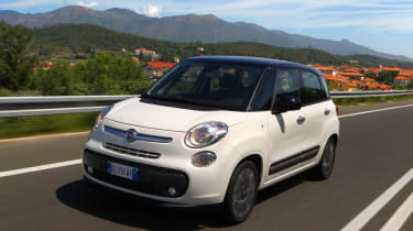 Fiat 500L 1.4 MultiAir 2014 front tracking