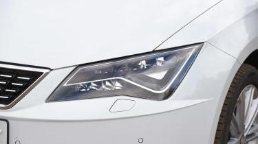 SEAT Leon - front light detail