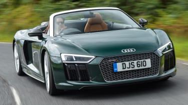 Audi R8 Spyder V10 plus - front quarter action
