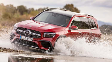 Mercedes GLB - off-road