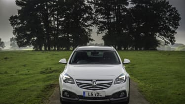 Vauxhall Insignia Country Tourer static head on