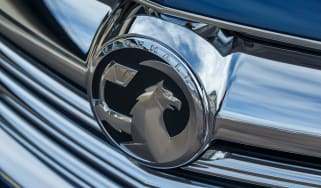 Vauxhall Insignia Sports Tourer Whisper diesel - front badge