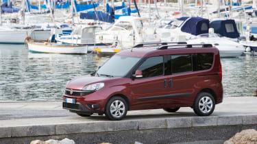 Fiat Doblo 2015 - static