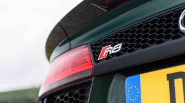 Audi R8 Spyder V10 plus - R8 badge