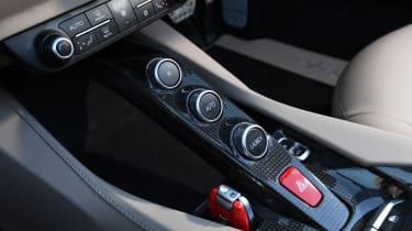 Ferrari Portofino - centre console