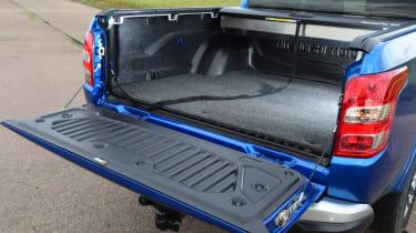 Mitsubishi L200 - load bed