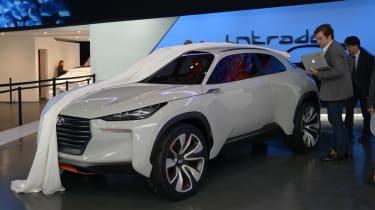 Hyundai Intrado unveiled