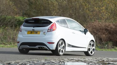Ford Fiesta ST Mountune 230 - rear cornering