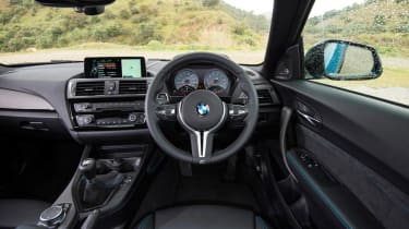 BMW M2 - dash