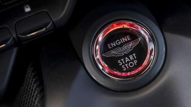 Aston Martin Vantage AMR - start/stop