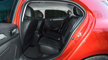 Honda Civic vs Volkswagen Golf vs Renault Megane - megane rear seats