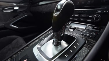 Porsche 911 GTS - transmission