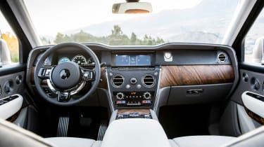 Rolls-Royce Cullinan - dash